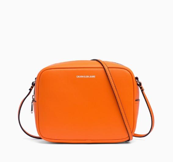 Novinky 2021 - Dámská kabelka Calvin Klein K40K400616