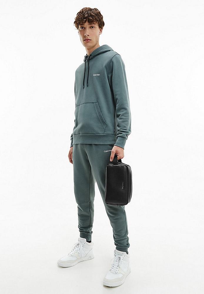 Novinky 2021 - Pánská kosmetická taška Calvin Klein K50K507347