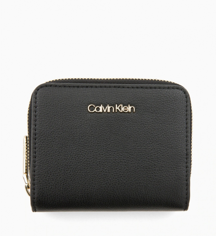 Novinky 2021 - Dámská peněženka Calvin Klein K60K605097